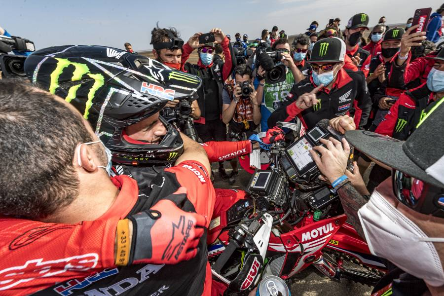 Tackling the toughest rally on earth - an inside look at Honda's Dakar victory