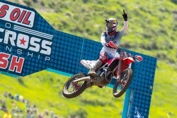 Roczen Dominates at Thunder Valley AMA Pro MX