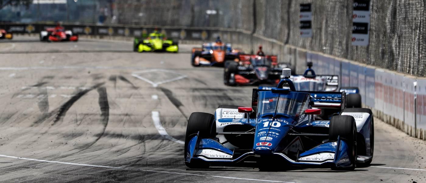 デトロイトでのレース2でアレックス・パロウが3位フィニッシュ