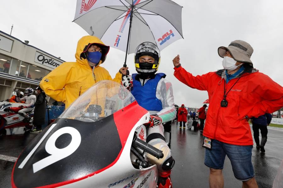 江澤伸哉が2位、細谷翼が3位表彰台