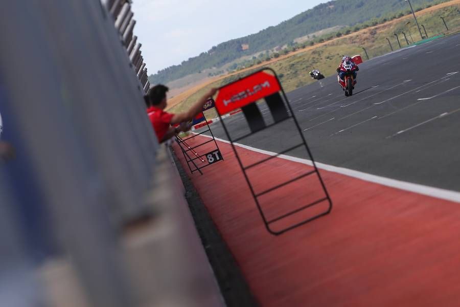 Non-stop work for Team HRC during a useful test session at Navarra
