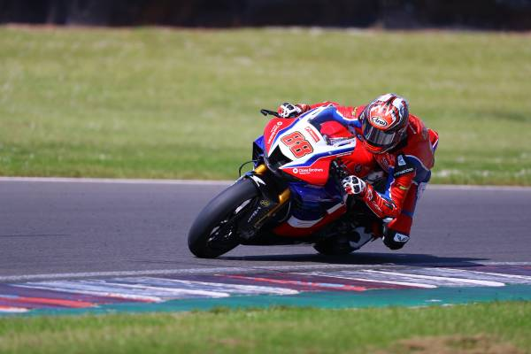 BSB returns! Honda Racing UK is raring to go with Round 1 at Oulton Park