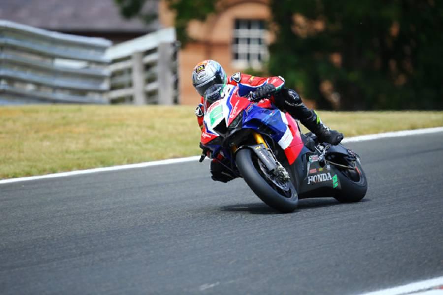 Honda Racing UKがオールトンパークでの英国スーパーバイク選手権開幕戦で活躍をみせる