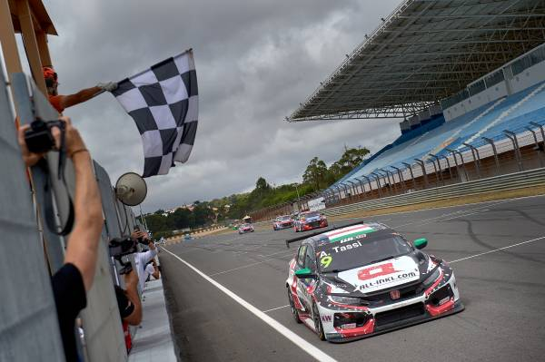 First win for Tassi puts Civic Type R TCR on top of the world