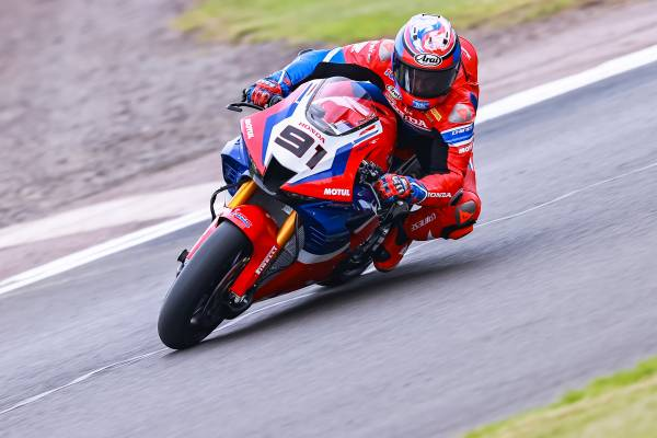 Strong sixth for Haslam at Donington Park; Bautista makes up eight positions to close eighth
