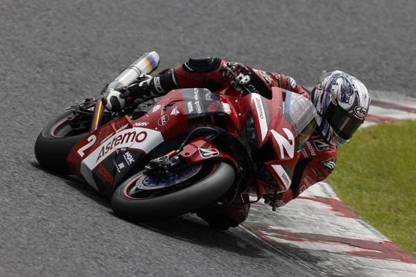 レース1は名越、レース2は清成が2位、日浦は2レースとも3位