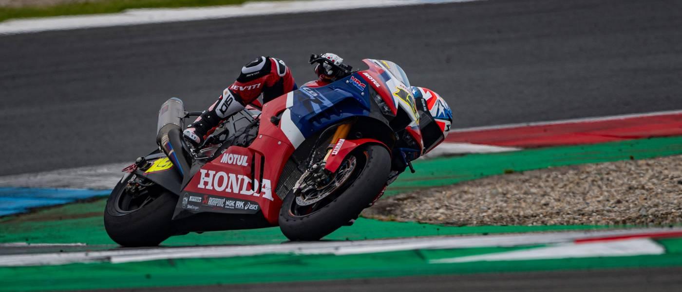 バウティスタがレース2で今季ベストの5位でフィニッシュ。ハスラムは10位