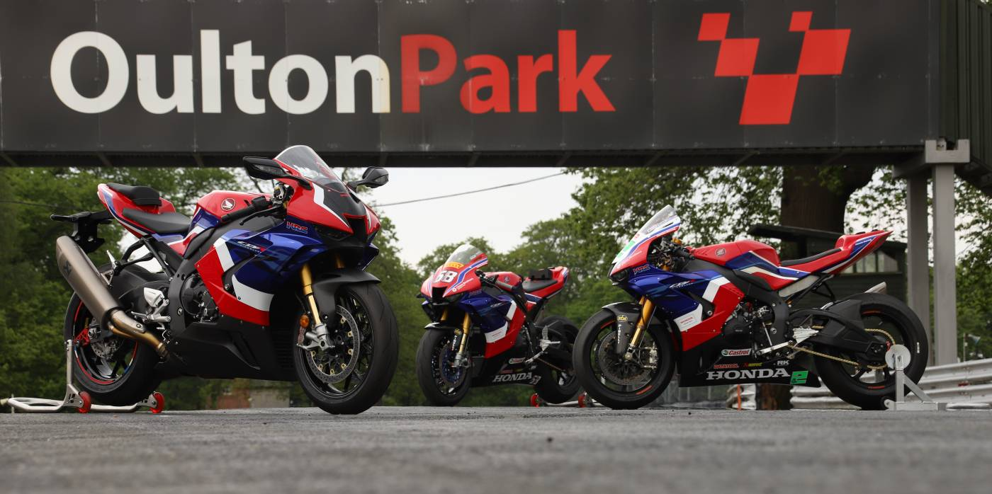 CBR1000RR-R Fireblade SP vs. British Superbike