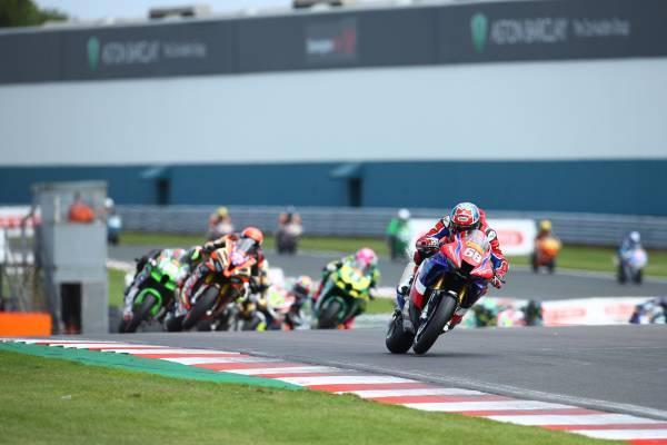 Victory and second for Honda Racing UK at Donington Park