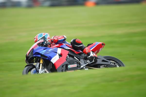 Honda Racing UK heads home to Cadwell Park