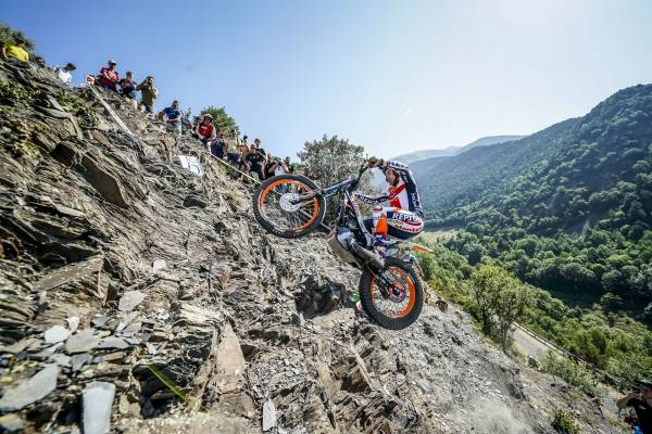 Closely-fought win for Toni Bou at Andorra TrialGP Day One