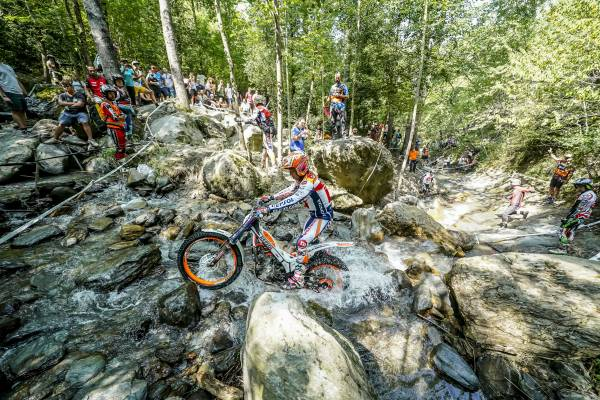 World championship leader Toni Bou finishes a tough Andorra TrialGP in third