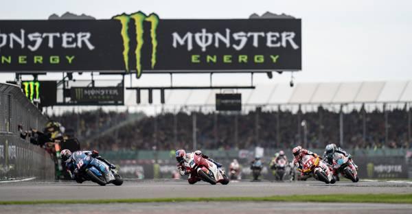 Moto2ルーキーイヤーの小椋藍が9位フィニッシュ