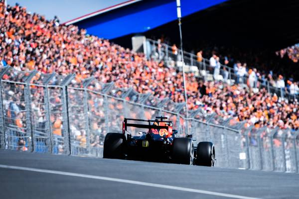 36年ぶりに開催のF1オランダGP、フェルスタッペンの母国GPがスタート