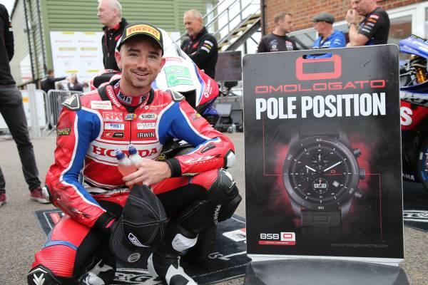 Honda Racing UKが2カテゴリーでポールポジションを獲得