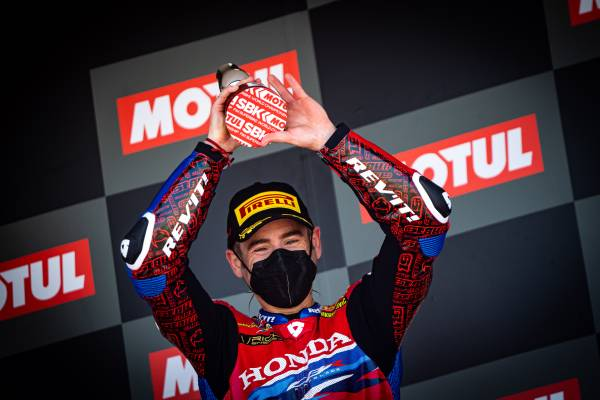 A Race 2 podium for Alvaro Bautista at the end of a difficult Jerez round