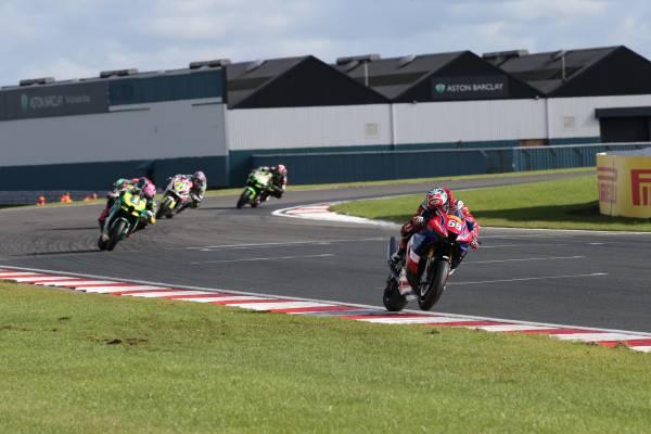 Thrilling third for Neave and Honda Racing UK at Donington Park