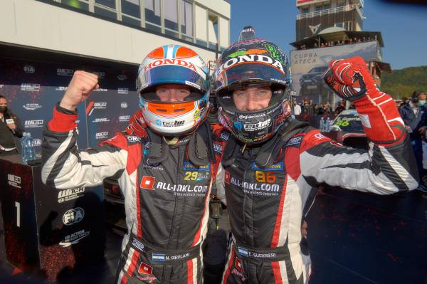 Return to winning ways for the Honda Civic Type R TCR