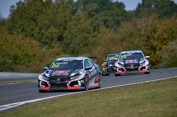 Guerrieri keeps sight of points lead at Pau-Arnos