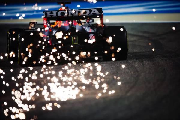 フェルスタッペンが両セッションでトップタイム。Honda PU勢は好調なスタートに