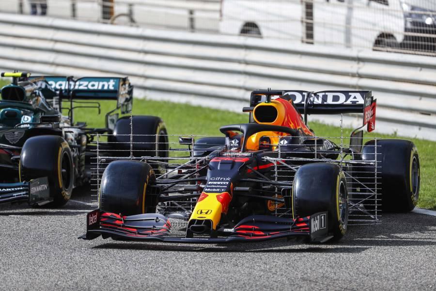 Max's RB16B ahead of F1 Testing