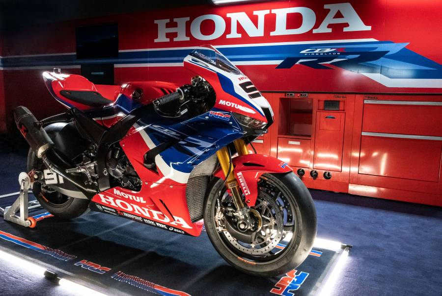 Bautista and Haslam ready to tackle the 2021 WorldSBK season with the CBR1000RR-R FIREBLADE
