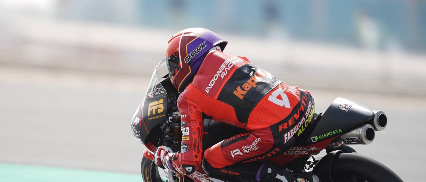 Honda riders dominate front of grid