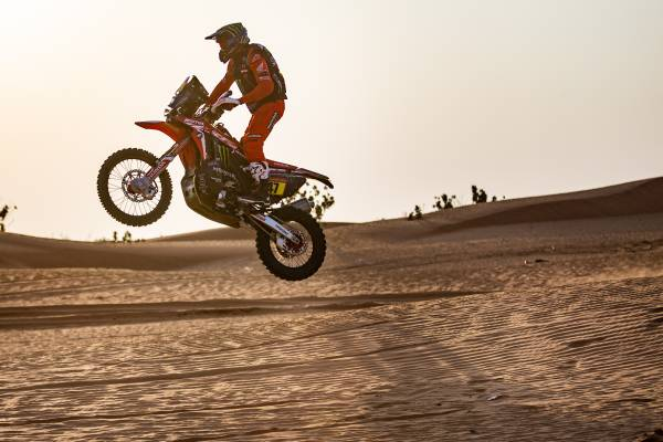 A Third One-Two for Honda Riders. Benavides and Cornejo on the Assault in the Dakar.