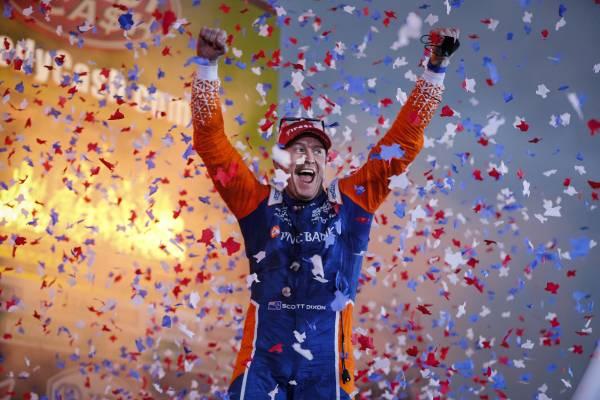 テキサスでのレース1でスコット・ディクソンが優勝し、Hondaは開幕3連勝