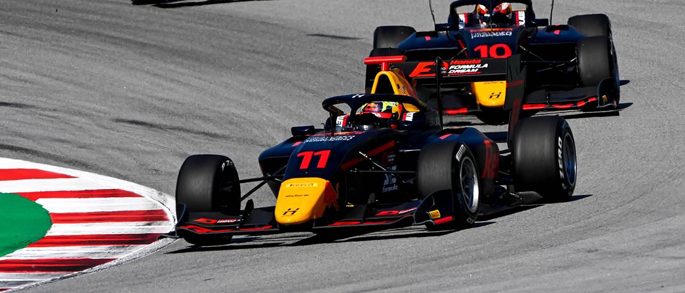 岩佐が波乱のレース2で7位フィニッシュ、初のポイント獲得を果たす