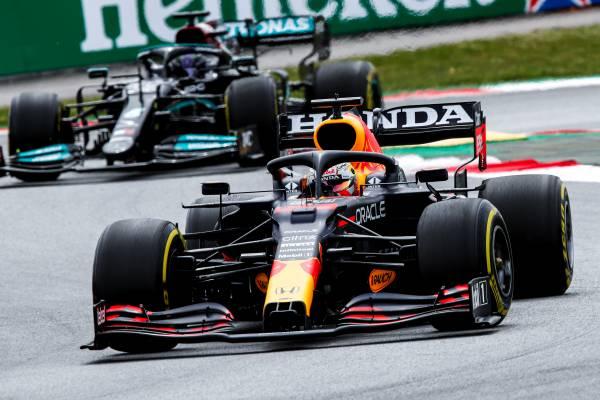 フェルスタッペンが2位表彰台とファステストラップを獲得