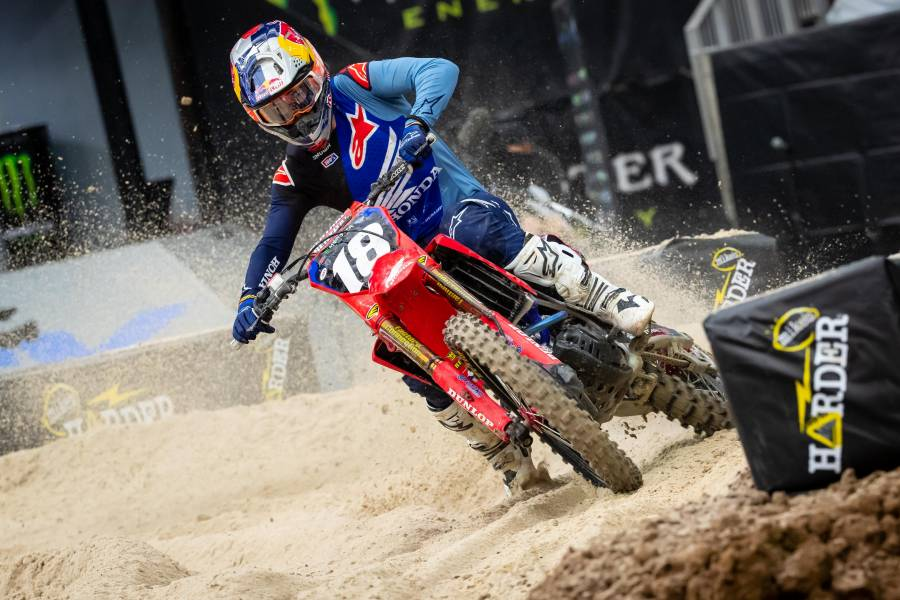 Jett Lawrence Scores Career-First AMA 250SX Win at Houston 2 Supercross
